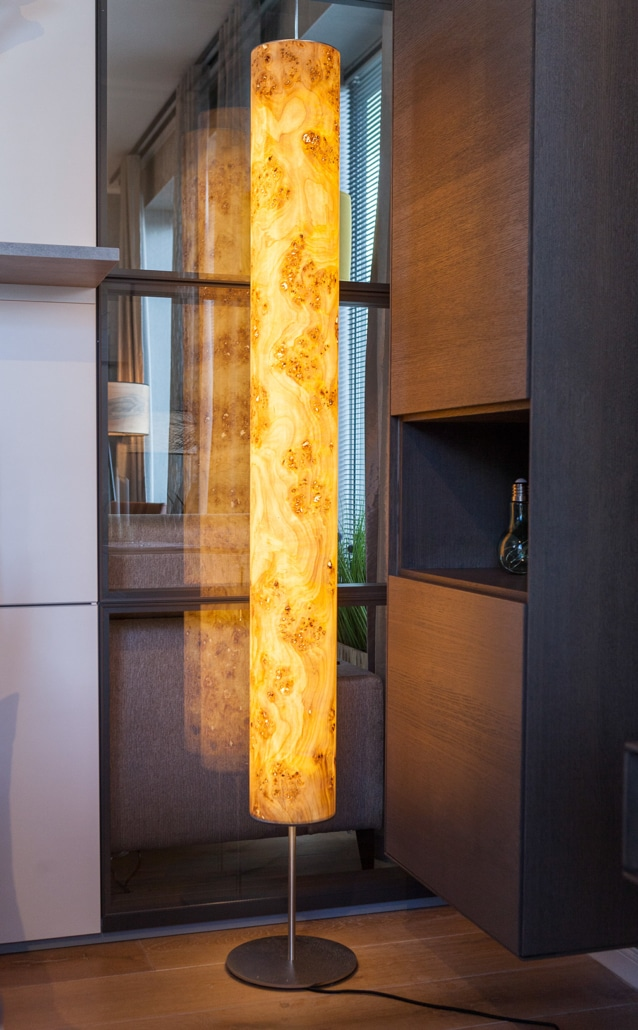 Lampe aus Holz - modern wohnen