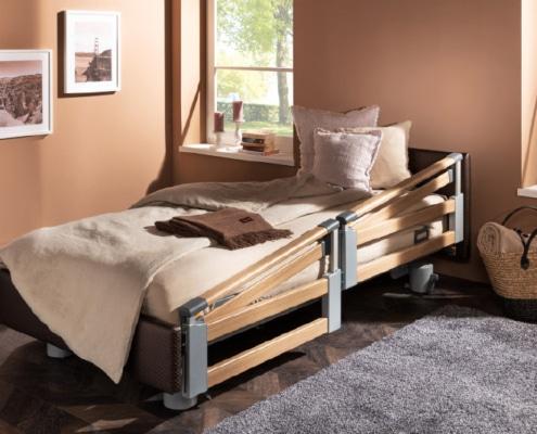 Pflegebett mit Seitensicherung