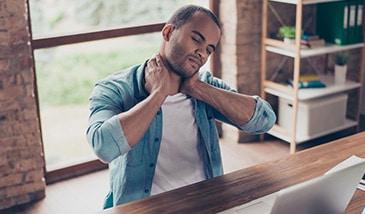 Nackenschmerzen und Nackenverspannungen